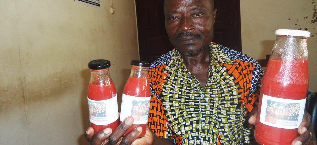 Cameroun : Une technique simplifiée  de transformation de la tomate